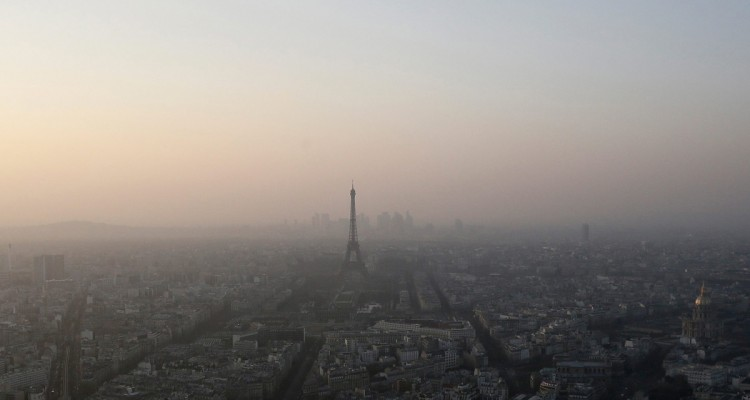 Contre-la-pollution-le-gouvernement-met-en-place-la-circulation-alternee-a-Paris-et-en-petite-couronne