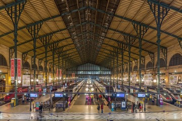 1024px-Gare_Du_Nord_Interior,_Paris,_France_-_Diliff