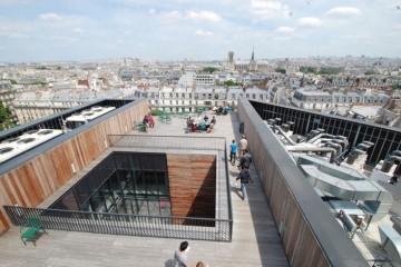 J-Glowinski, sur le toit du Collège de France