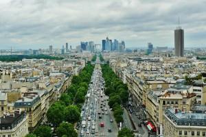 La voiture dans Paris