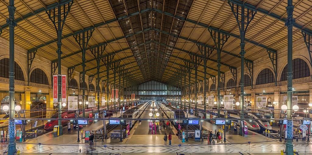 1024px-Gare_Du_Nord_Interior,_Paris,_France_-_Diliff